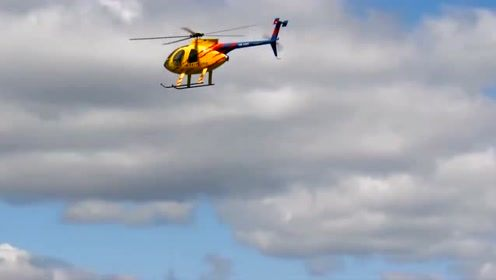 花一万六买的直升机玩具,还真买值了,各种表演动作耍起来!