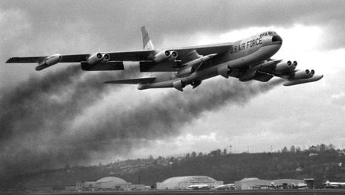 耍威风不成!飞行员驾驶80吨轰炸机表演特技,不到一分钟坠地