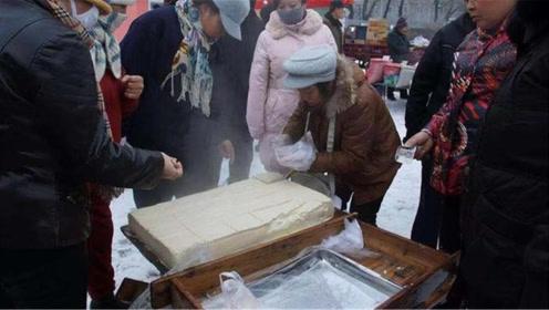 买豆腐要注意,遇到这2种万万不要买,白送都不吃,别再买错了