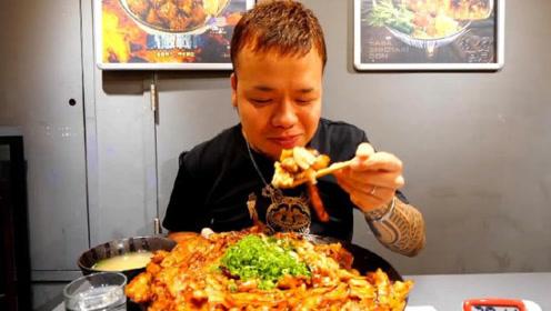 日本大胃王挑战中国美食,不料吃着吃着忘记了比赛,因为太好吃了