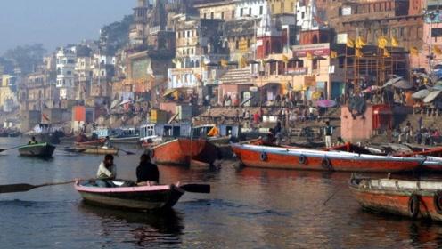 印度恒河水一瓶水5块钱,销往全世界,你敢喝吗