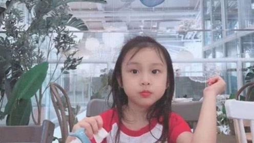 贾乃亮回家收拾行李,女儿出现了, 甜馨见到爸爸的反应让人心酸