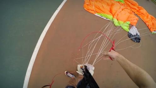 兄弟俩为情所困无处释放,只能去比赛跳伞,过程中还不忘录像
