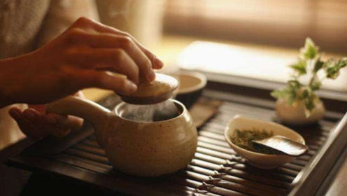 为什么专家会说:长期喝茶会增加致癌的风险?其实很多人误会了!