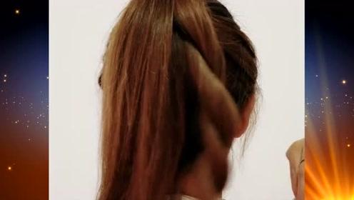 在这个季节里,女神们都会的扎发发型,清爽舒适又不失优雅时尚