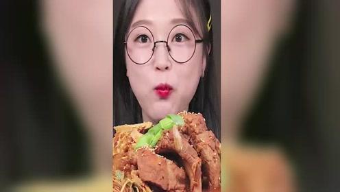 韩国吃播Ae Jeong吃排骨和奶酪!