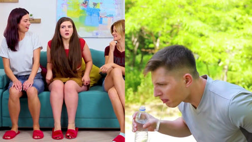 小伙把放屁气垫放沙发恶搞室友,害姑娘在朋友前出丑,下场惨了!