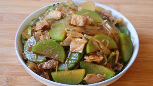 天冷了做一道猪肉萝卜炖粉条,在配上一碗米饭,吃的真过瘾啊