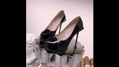 高跟鞋开箱:一双超性感细跟高跟鞋,能驾驭的都是爱美女人!