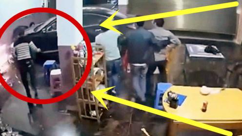 饭馆餐客人正在吃饭,意外突然发生,监控拍下惊险一幕!