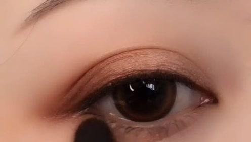 香甜巧克力眼妆教程分享,化妆新手看过来