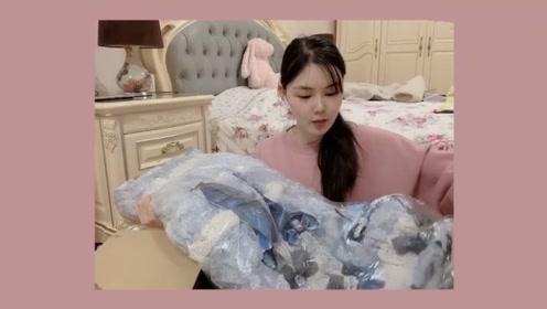 Lolita开箱:人民币18000元的lo裙子,打开箱子一看,值了!