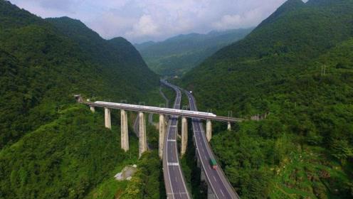 中国最难修建的铁路5万人修了7年 造价是青藏铁路的两倍