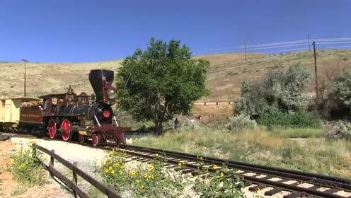 第一次见这么短的火车,网友:还没开始就结束了?