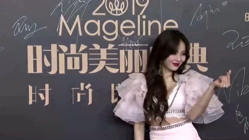 中韩女星红毯比美,林允儿泫雅造型太廉价,刘诗诗气质完全吊打韩星