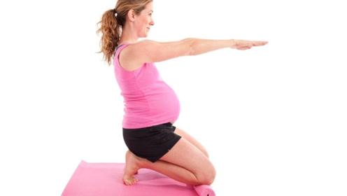 """孕期晚上睡觉前,孕妈要牢记这""""3不要"""",对自身和胎宝都有好处"""