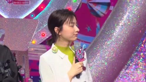 吴昕参加节目,谁注意她坐下时围巾放在哪?做法令网友称赞