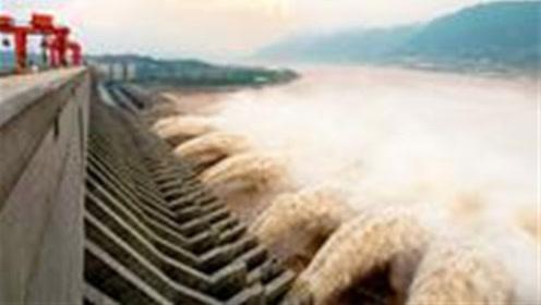 中国三峡大坝有多牢固?使用900万吨水泥,能抵挡100枚导弹的攻势