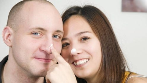 挖鼻孔对身体好不好?当心手指伤害鼻粘膜