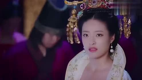 《凤凰无双》宝婕妤半夜不穿衣服被吊在梁上这画面太美不敢看!