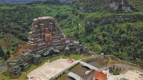 """""""豪宅""""隐藏在大山深处,24层高99.9米,走近一看太神奇!"""