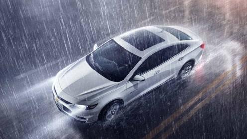 高速上突遇大暴雨怎么办?学会老司机这几招,关键时刻有大用