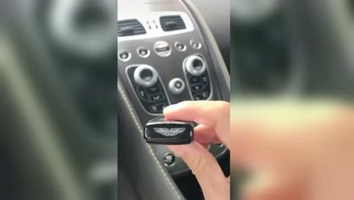 借朋友的车开,给我了一把钥匙,插进去那刻,我不淡定了
