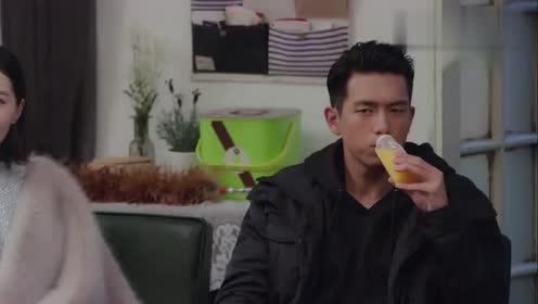 佟年倒吸一口气差点晕倒韩商言竟然在自己家里!