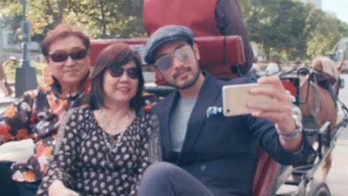 高以翔生前带爸妈录旅游节目 搭马车自拍幸福温馨