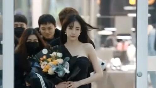 韩国网红潘南奎冬天穿超短裙,推开门冷风吹到直打颤,真正的美丽冻人!