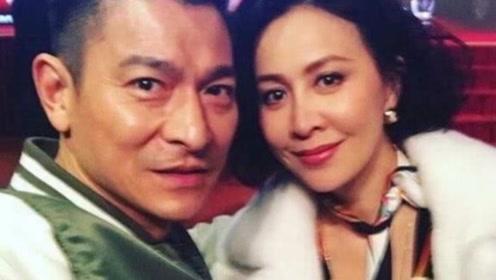 刘德华晒同框自拍照为刘嘉玲庆生,58岁的天王生图超抗打