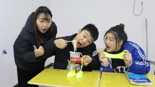学校手工课,苏喂用易拉罐和蜡烛能做出什么美味?太有才了