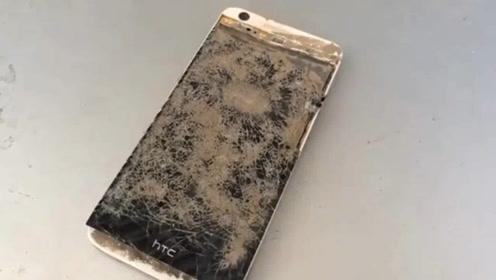 废旧损坏的智能手机维修修理过程,手艺真不错,焕然一新!