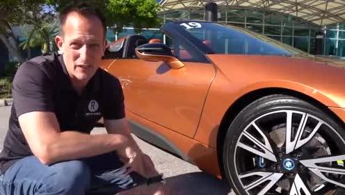 外观蝶翼门设计展示,2019款宝马i8 roadster