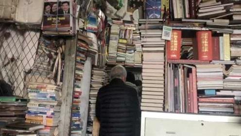 20年书店成网红,粉丝1600公里打卡,老板定规:打卡必买一本书