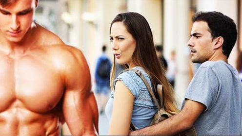 肌肉男上街引起轰动?身材太好,让人挪不开眼