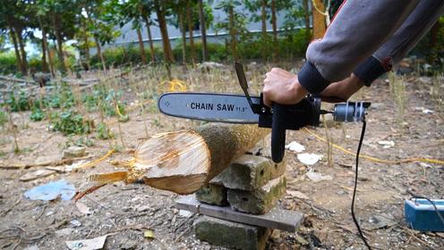 小伙用废旧角磨机零件制作12V迷你小电锯,30秒锯断一棵大树