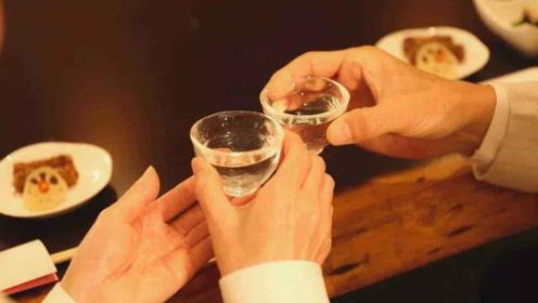 """每天喝一杯""""白酒""""的人,最终会变成什么样子?看完你都不信!"""
