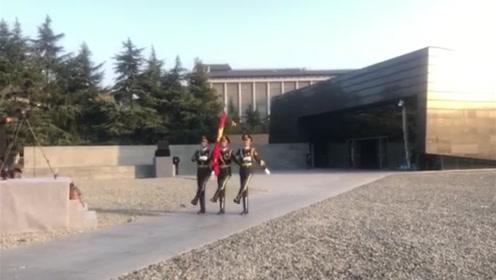 以国之名,我们为死难者下半旗致哀!
