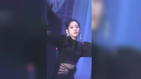 张碧晨罕见挑战起舞曲 新歌曝光这身材也是绝了