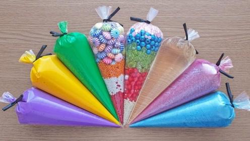 裱花袋新玩法,混合里面的水晶泥材料,制作史莱姆