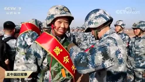 新训女兵800米第一跳 12月11日 空降兵某旅数十余名新训女兵