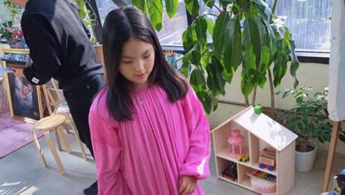 """王诗龄近照曝光,女大十八变越变越漂亮了,活脱脱一个""""小李湘"""""""