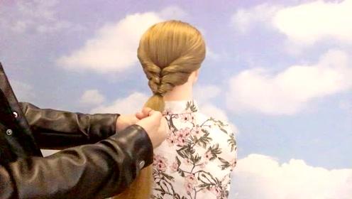 头发这样扎,发量多少都能扎,简单好看,超洋气!