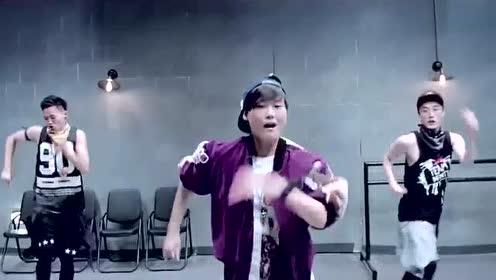 李宇春《Dance To The Music》 舞蹈版!
