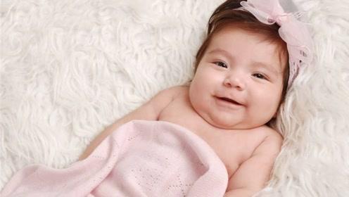 孕妇拼3胎,产房站着30个人,孩子一出生后遭哄抢,医生懵了