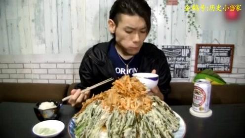 日本大胃王挑战近六斤的盖浇饭,真是不得不服啊