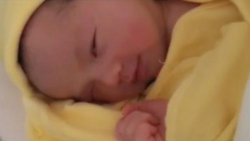 人之初性本善,宝贝睁眼的第一件事就是笑对世界