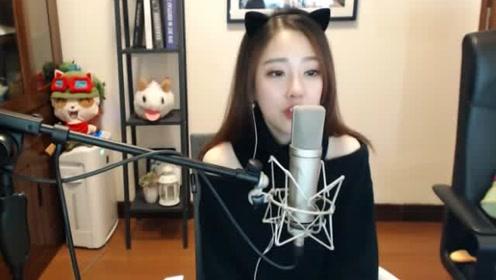 活捉一只会唱歌的冯提莫猫咪,实力翻唱《原来你也在这里》可爱