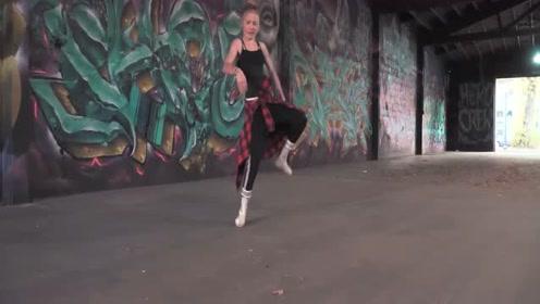芭蕾遇上街舞金发萝莉Phoenix Lil Mini超强混搭Freestyle舞蹈